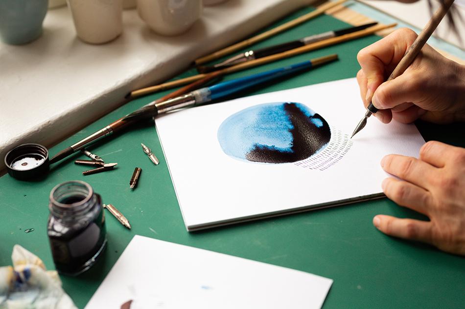 Akvarell og blekk når Kristine Bjaadal designer tepper.