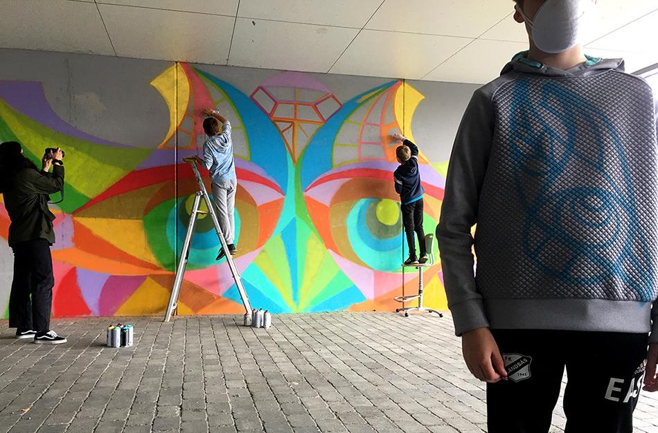 Ikke alle liker tagging. Men graffiti er kunstformen tagging munner ut i.