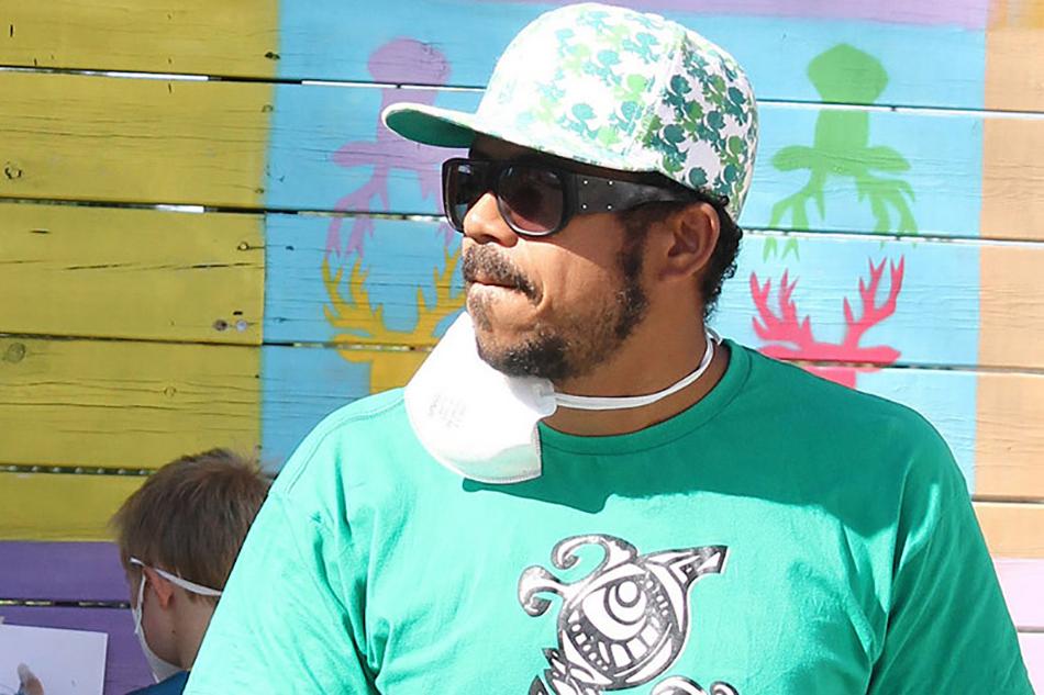 Rodrigo V. Lisboa er gatekunstner og underviser norske barn i å skape graffiti.