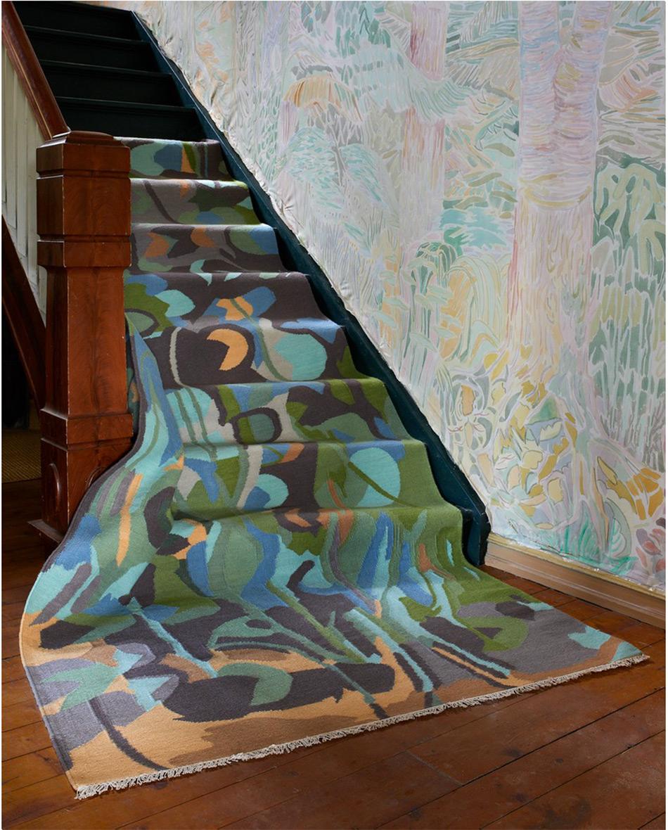 Kunstner Andrea Siqueland har skapt teppet Lillies in the Lake.
