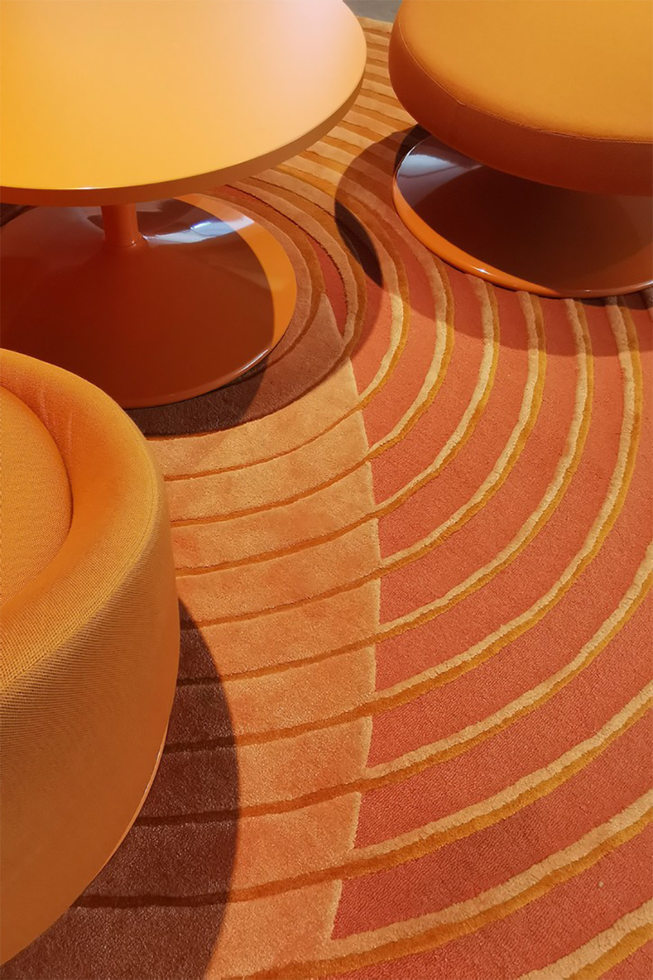 Det oransje teppet Pop bekler Nasjonalmuseet